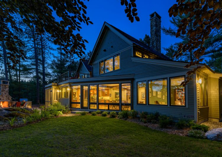 Custom Lakeside Contemporary Home on Lake Sunapee in New London NH